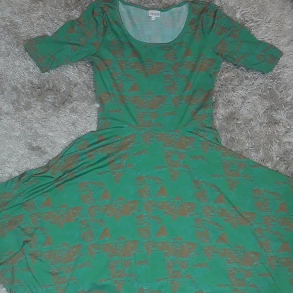 "LuLaRoe Dresses & Skirts - Lularoe ""Nicole"" dress"